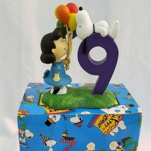 1996 Snoopy & Friends Figurine #9. Lucy and Snoopy